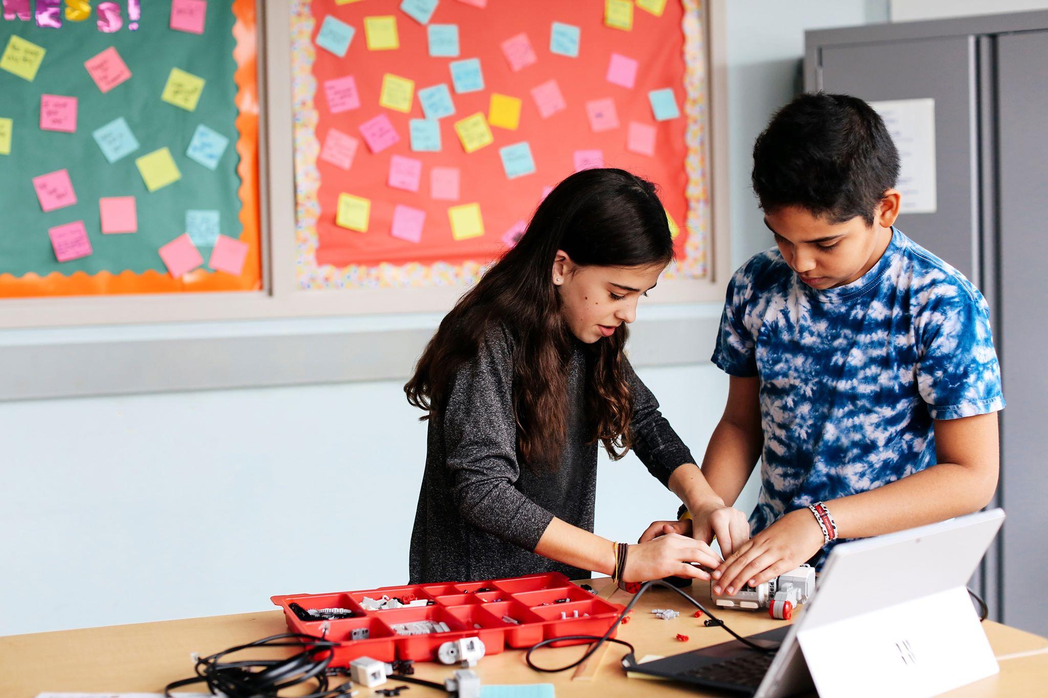 Otwarcie LEGO® Education Innovation Studio